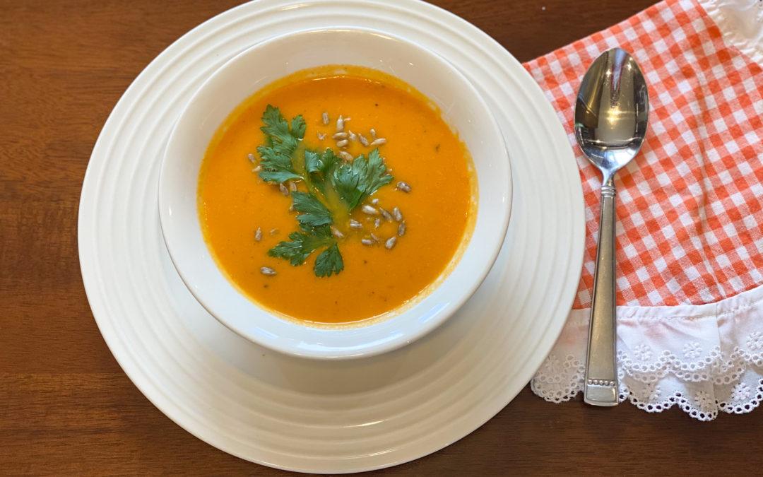 Sopa de coliflor con pimientos rostizados