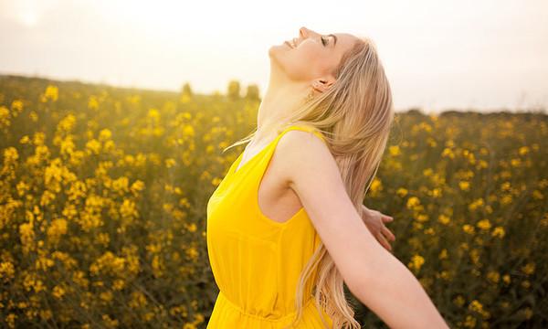 Función de la vitamina D y que síntomas se presentan al tener deficiencia de esta