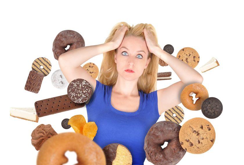 ¿Te da antojo de comer algo dulce por la tarde?  Descubre las razones