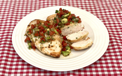 Pollo asado con pico de gallo y aguacate